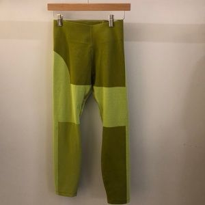 Nike crop green/yellow legging sz xs 69949